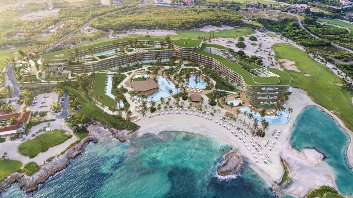 Dominican Republic president breaks ground at St. Regis Cap Cana Resort