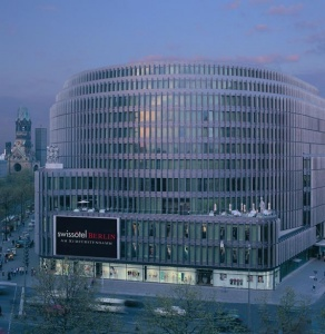 Swissôtel Berlin reveals new Club Lounge concept