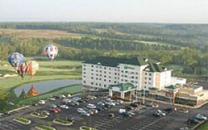 Holiday Inn & Suites in Front Royal, Va. Listed by Hunter Realty