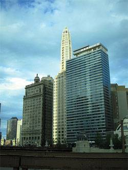 Canyon Capital Acquires Chicago's Hotel 71