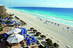 A Dazzling New Beach Debuts at The Ritz-Carlton, Cancun