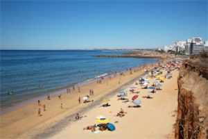 Flags are flying on Algarve's beaches