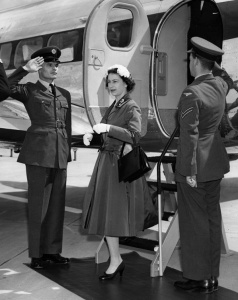 Gatwick Airport celebrates 80th anniversary of first commercial flight