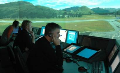 US air traffic control boss quits over sleeping controllers