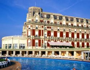 France's Biarritz is the country's most expensive destination, survey shows