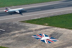 Heathrow welcomes passengers ahead of Royal Jubilee