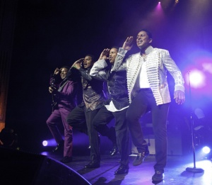 Jacksons lined up for Abu Dhabi show