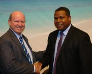 Seychelles Minister for Tourism meets with President Conseil General de Mayotte
