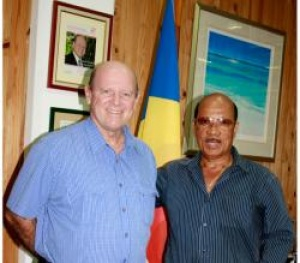 Seychelles performing artists meet their Minister responsible for Tourism and Culture