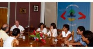 Seychelles small hotel owners meet their Minister for Tourism