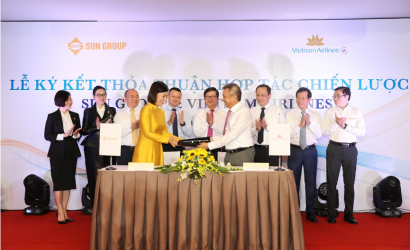 Vietnam Airlines signs Sun Group partnership