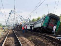 Train derails in Poland