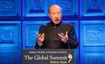 HNA Group chairman Chen Feng delivers keynote speech at WTTC Global Summit