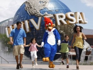Nintendo signs on with Universal for park experiences