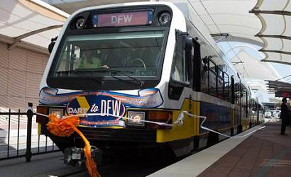 New light railway links Dallas/Fort Worth to Dallas downtown