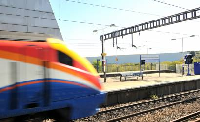 UK train punctuality to be measured to the minute