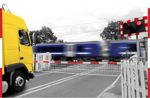 Professional drivers targeted in new level crossing safety programme