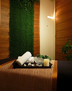 10th aniversary treatment offered at Four Seasons Tokyo spa