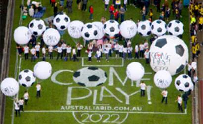 Sydney Harbour Bridge becomes giant grass football parkway for Australia 2022 FIFA World Cup Bid
