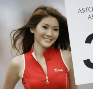 HotelTravel.com presents Singapore Grand Prix's gorgeous grid girls