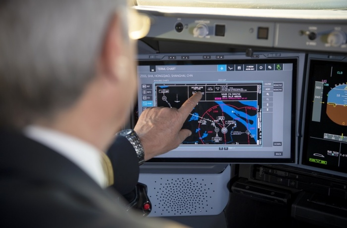 Airbus launches A350 touchscreen cockpit displays