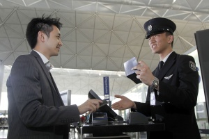 Cathay Pacific launches Mobile Boarding Pass at Heathrow