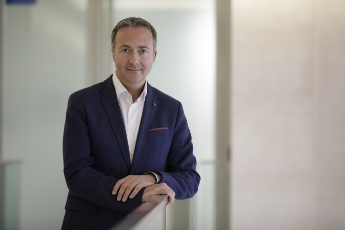 Abbott appointed chief executive of American Express Global Business Travel