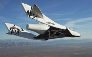 Virgin Galactic makes first solo flight