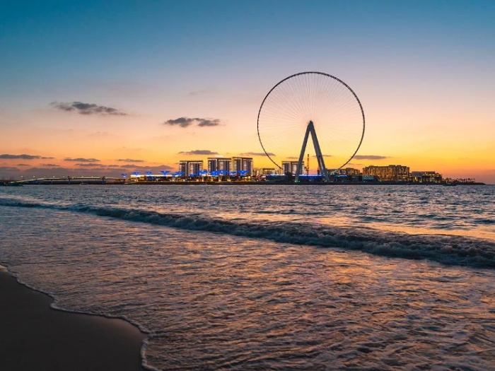 Ain Dubai reaches construction landmark