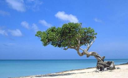 Aruba thrills with an 007 touch