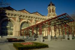 Ellis Island to reopen to public