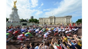 Crowds line the streets for Olympic Road Races