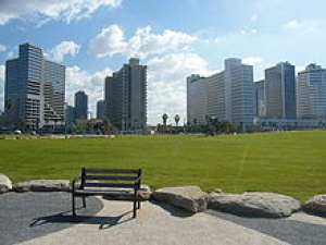 Tel Aviv makes play for visitors with new initiatives