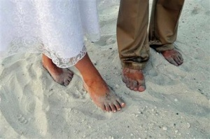 Oil spill has brides canceling beach weddings