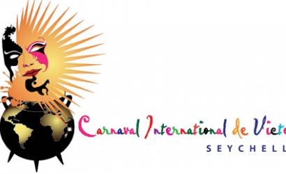 Tourism world celebrates the successful 2012 Carnaval International de Victoria