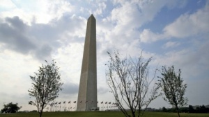 Washington monuments closed following earthquake