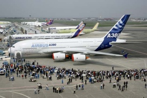 Thousands expected for A380 super-jumbo's first flight