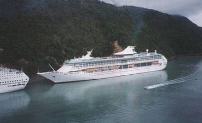Cruise holiday tax cut in Alaska