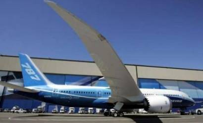 Boeing prepares ground for Dreamliner delays