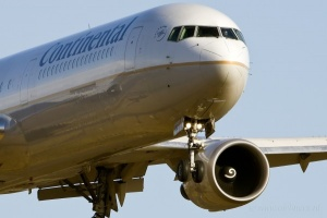 Continental Airlines offers wi-fi in the sky