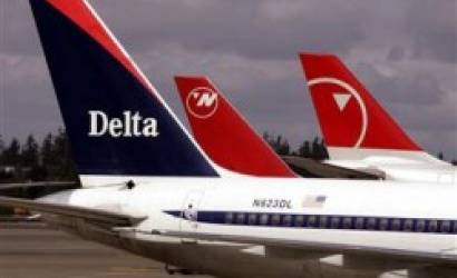 Delta sued by travelers' rights group