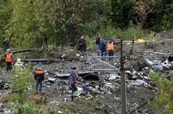 China plane crash claims 42 lives