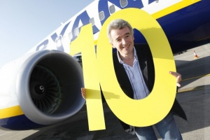 O'Leary calls for cabin crew to land planes in emergency