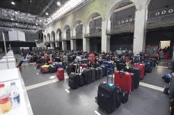 Airlines return to skies as airspace reopens