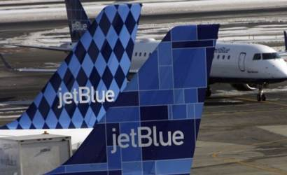 JetBlue Airways flies into Palm Springs
