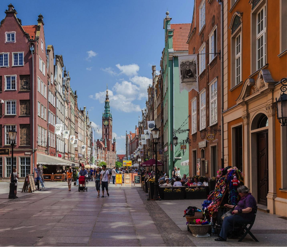 Main Town Hall at the end of Długa Street, Gdansk, Poland. Credit: Diego Delso